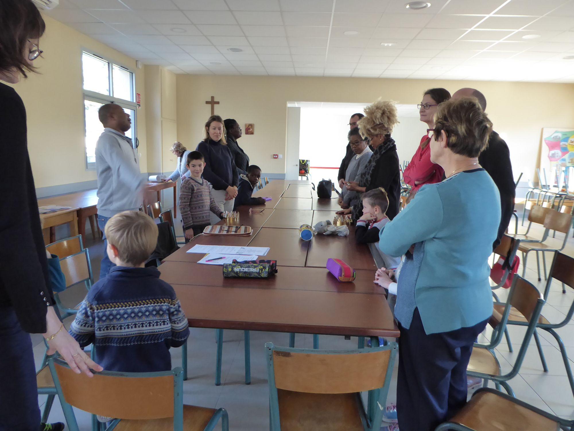 Eveil à la Foi Père Joachin avec les parents
