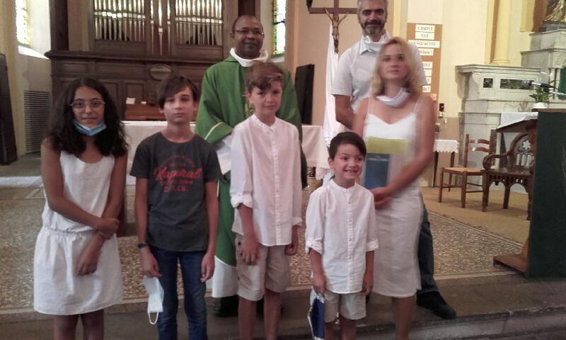 Communion de Maëlan au Péage, accompagné par Emma et Kenzo, le dimanche 26 juillet 2020